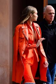 Gigi Hadid Out and About in New York 2018/12/11 3