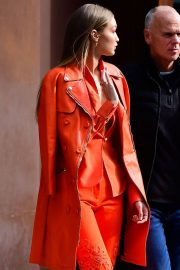 Gigi Hadid Out and About in New York 2018/12/11 7