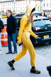 Gigi Hadid Out and About in New York 2018/12/29 1
