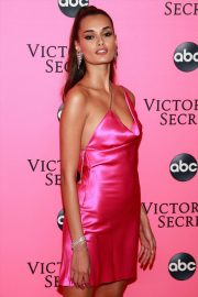 Gizele Oliveira at Victoria's Secret Viewing Party in New York 2018/12/02 2