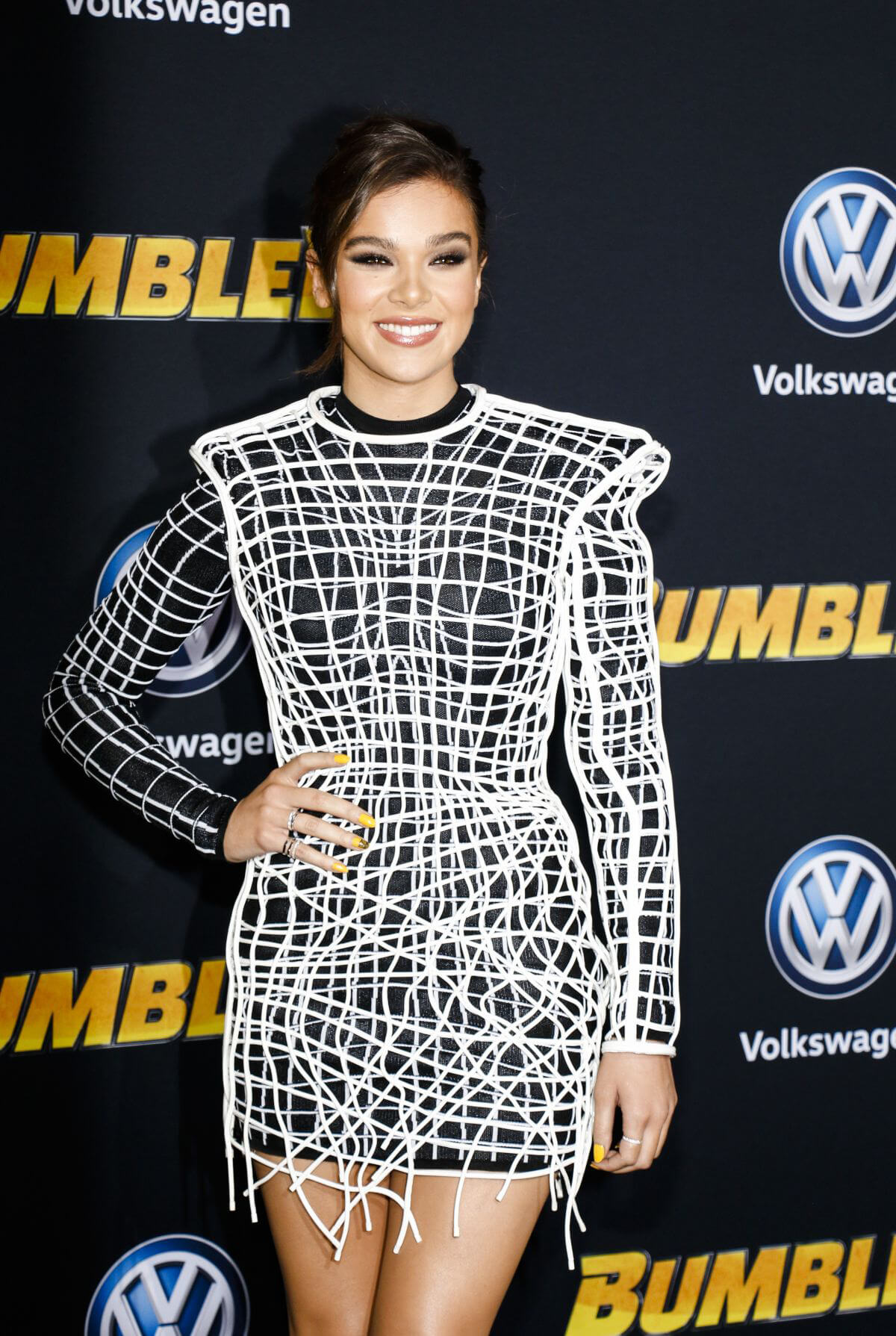 Hailee Steinfeld at Bumblebee Premiere in Hollywood 2018/12/09 1