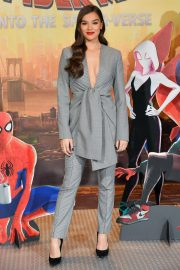 Hailee Steinfeld at Spider-man: Into the Spider-Verse Photocall in Los Angeles 2018/11/30 3