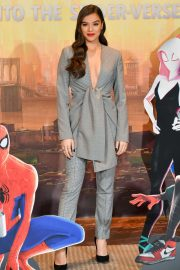 Hailee Steinfeld at Spider-man: Into the Spider-Verse Photocall in Los Angeles 2018/11/30 4