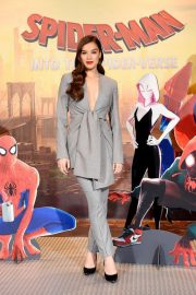 Hailee Steinfeld at Spider-man: Into the Spider-Verse Photocall in Los Angeles 2018/11/30 6