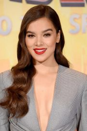 Hailee Steinfeld at Spider-man: Into the Spider-Verse Photocall in Los Angeles 2018/11/30 7
