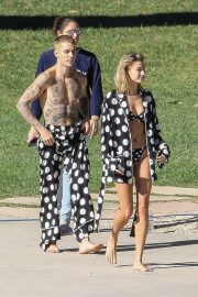 Hailey Baldwin and Justin Bieber on the Set of a Photoshoot in Los Angeles 2018/12/04 15