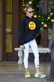 Hailey Baldwin Leaves Montage Hotel in Beverly Hills 2018/11/30 4