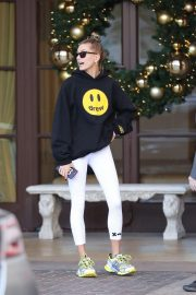 Hailey Baldwin Leaves Montage Hotel in Beverly Hills 2018/11/30 5