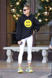 Hailey Baldwin Leaves Montage Hotel in Beverly Hills 2018/11/30 7