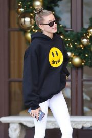 Hailey Baldwin Leaves Montage Hotel in Beverly Hills 2018/11/30 10