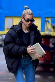 Hailey Baldwin Out and About in New York 2018/12/02 2