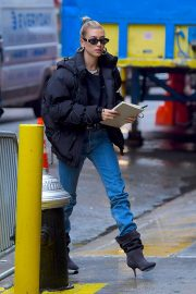 Hailey Baldwin Out and About in New York 2018/12/02 3
