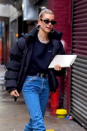 Hailey Baldwin Out and About in New York 2018/12/02 7