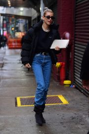 Hailey Baldwin Out and About in New York 2018/12/02 8