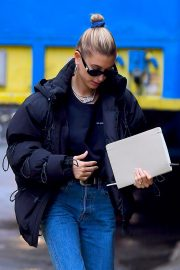 Hailey Baldwin Out and About in New York 2018/12/02 10