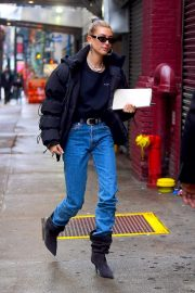 Hailey Baldwin Out in New York 2018/12/02 1