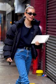 Hailey Baldwin Out in New York 2018/12/02 2