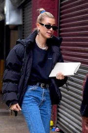 Hailey Baldwin Out in New York 2018/12/02 5