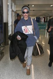Halsey at LAX Airport in Los Angeles 2018/12/26 6