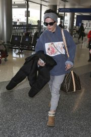 Halsey at LAX Airport in Los Angeles 2018/12/26 7