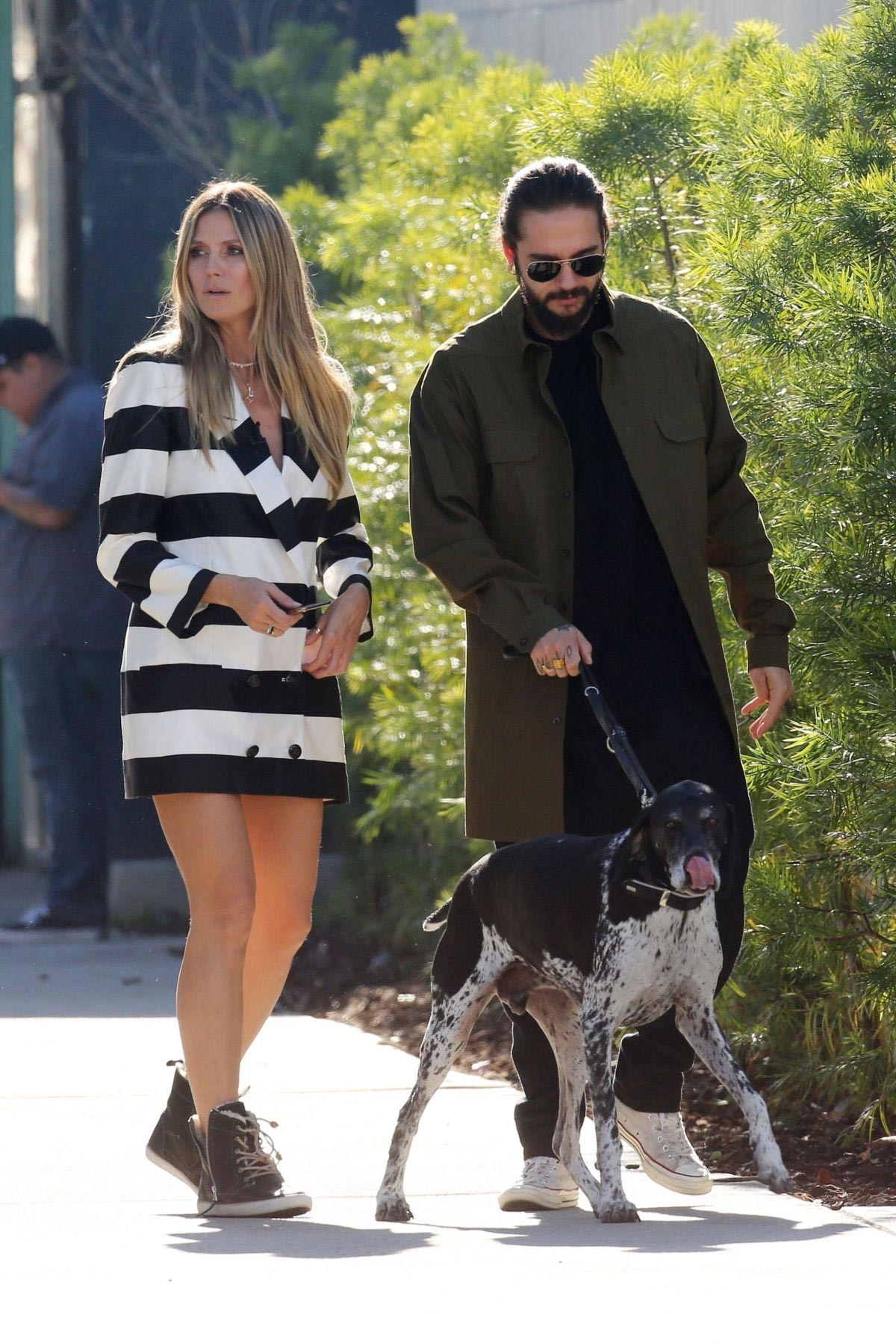 Heidi Klum and Tom Kaulitz Out with His Dog in Los Angeles 2018/12/03 1