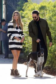 Heidi Klum and Tom Kaulitz Out with His Dog in Los Angeles 2018/12/03 2