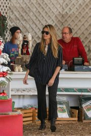 Heidi Klum Out and About in Beverly Hills 2018/12/15 4