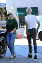Hilary Duff and Matthew Koma Out Shopping in Studio City 2018/12/04 3