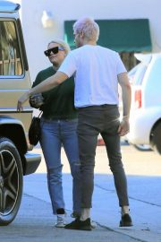 Hilary Duff and Matthew Koma Out Shopping in Studio City 2018/12/04 7