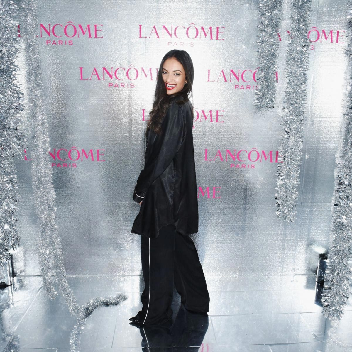 Inanna Sarkis at Lancome x Vogue Holiday Event in West Hollywood 2018/11/29 1