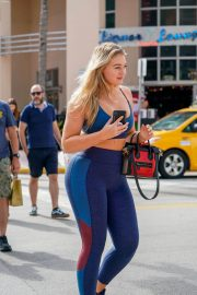 Iskra Lawrence in Tights Leaves a Gym in Miami 2018/12/10 10