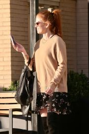 Isla Fisher Out and About in Beverly Hills 2018/12/26 10