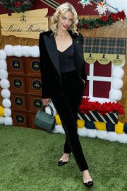 Jaime King at Brooks Brothers Holiday Celebration in Los Angeles 2018/12/09 3