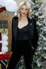 Jaime King at Brooks Brothers Holiday Celebration in Los Angeles 2018/12/09 5