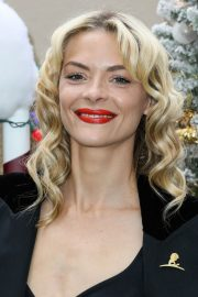 Jaime King at Brooks Brothers Holiday Celebration in Los Angeles 2018/12/09 6