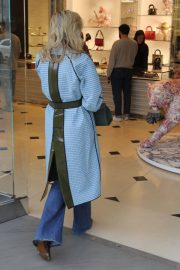 Jaime King Out Shopping on Rodeo Drive in Beverly Hills 2018/12/23 4