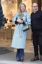 Jaime King Out Shopping on Rodeo Drive in Beverly Hills 2018/12/23 5