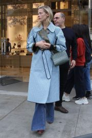 Jaime King Out Shopping on Rodeo Drive in Beverly Hills 2018/12/23 6