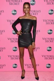 Jasmine Tookes at Victoria's Secret Viewing Party in New York 2018/12/02 1