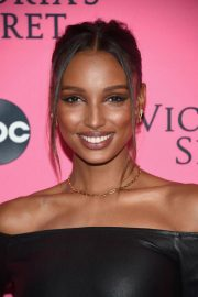 Jasmine Tookes at Victoria's Secret Viewing Party in New York 2018/12/02 2