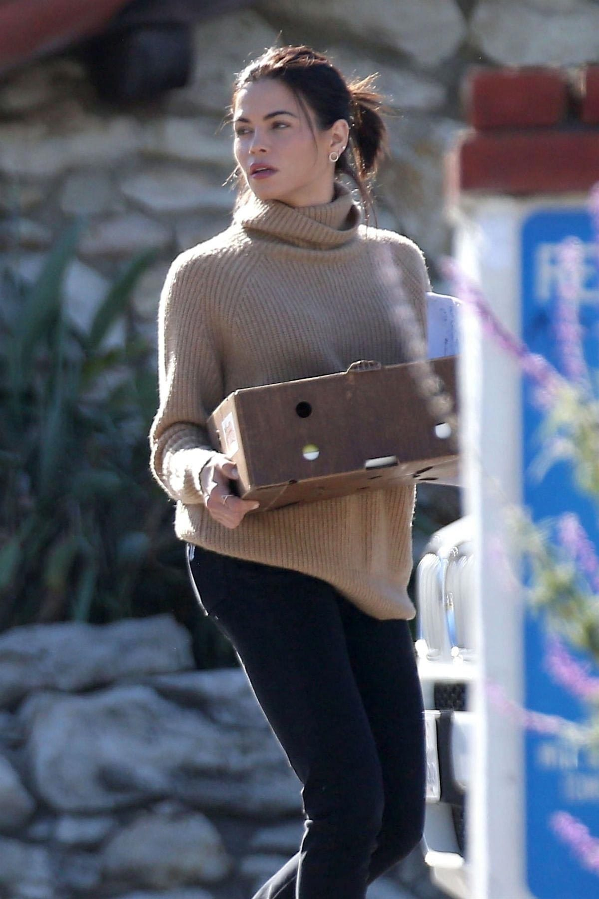 Jenna Dewan Out and About in Los Angeles 2018/12/04 1