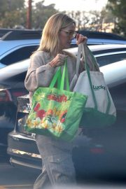 Jennie Garth Out Shopping in Los Angeles 2018/12/24 5