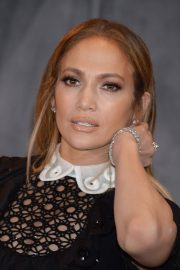 Jennifer Lopez at Second Act Photocall in Los Angeles 2018/12/09 10