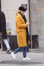 Jennifer Lopez Shopping at Whole Foods in New York 2018/12/15 8
