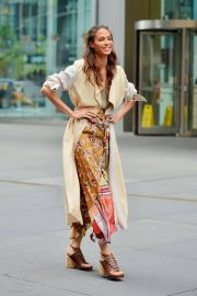 Joan Smalls on the Set of a Photoshoot in New York 2018/12/10 5