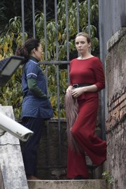 Jodie Comer and Sandra Oh on the Set of Killing Eve, Second Season in Rome 2018/12/04 6