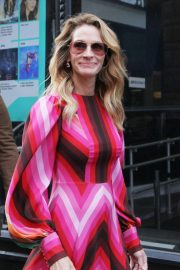 Julia Roberts at AOL Build Series in New York 2018/12/03 1