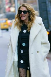 Julia Roberts Out and About in New York 2018/12/04 6