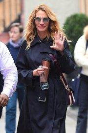 Julia Roberts Out Shopping in New York 2018/12/02 2