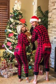 Julianne Hough on Christmas Instagram Pictures 2018/12/26 1